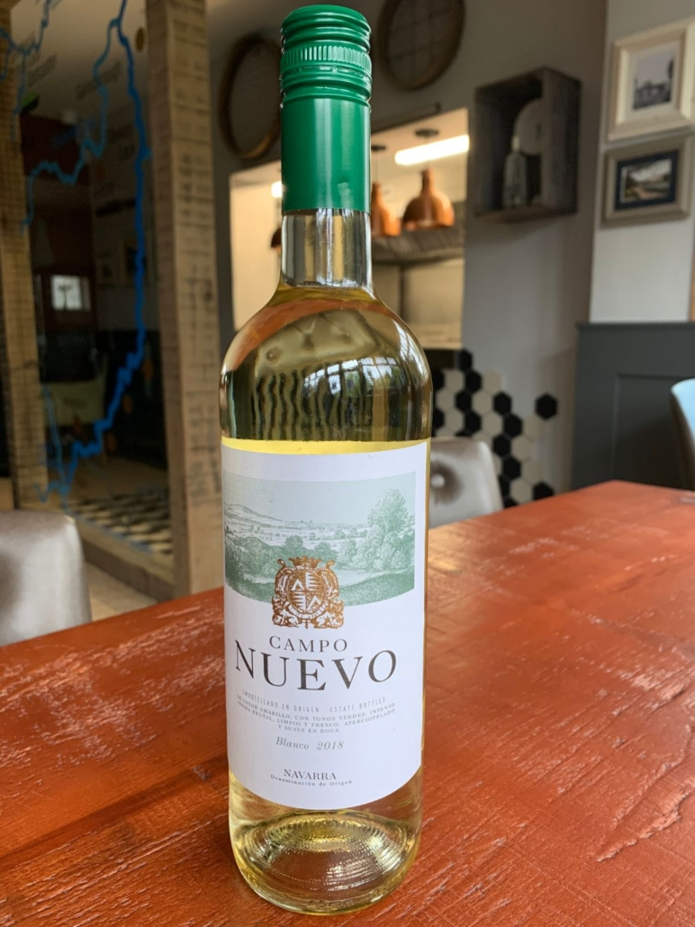 A lovely easy drinking white wine with aromas of green apple, pear & citrus